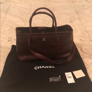 Chanel large shopper cerf executive tote burgundy